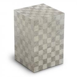 Houten urn licht grijs met schaakbord patroon Columbarium Scacchiera Quarzo UR-C-SC-04L 6 Liter}