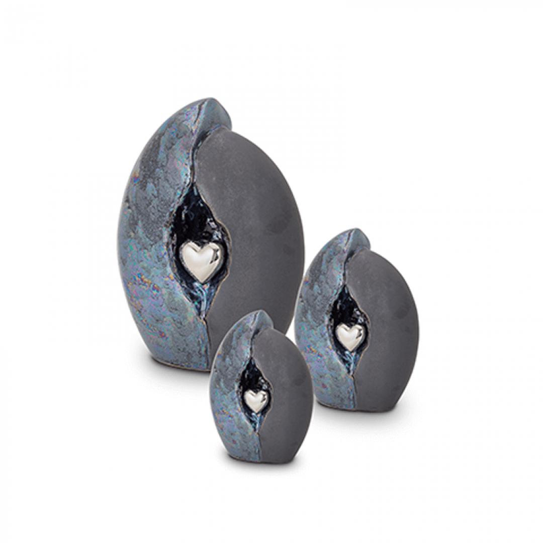Keramiek medium urn grijs/blauw met hart in zilver KU010M (medium)
