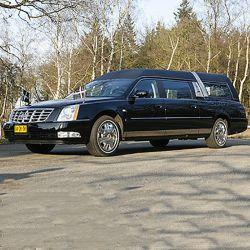 Huur rouwauto zwart met chauffeur voor uitvaart 3 uur