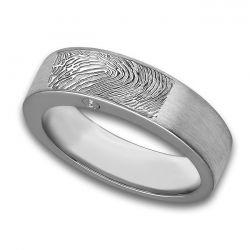 Assieraad, ring met askamer en vingerafdruk mat R033.6FPM}