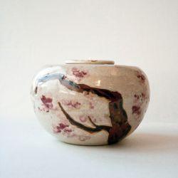 Memory urn}
