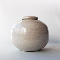 Simplicity urn}