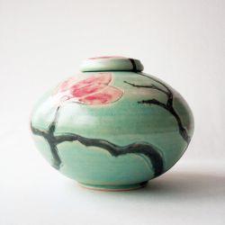 Spring urn}
